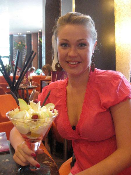 Buyrussianbride.com - Pics of mail order brides