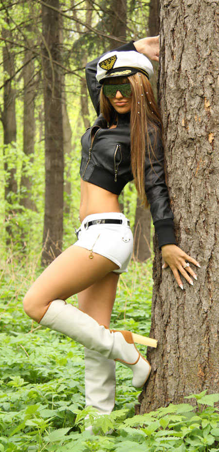 Pictures of beautiful women - Buyrussianbride.com
